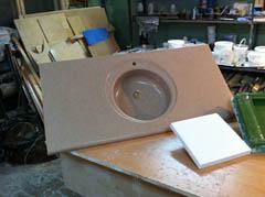 Столешница с мойкой - технология жидкий камень, литьевой мрамор